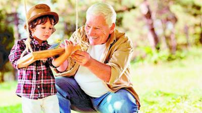 Una nueva aventura vacacional: El pajarraco, el niño y el abuelo