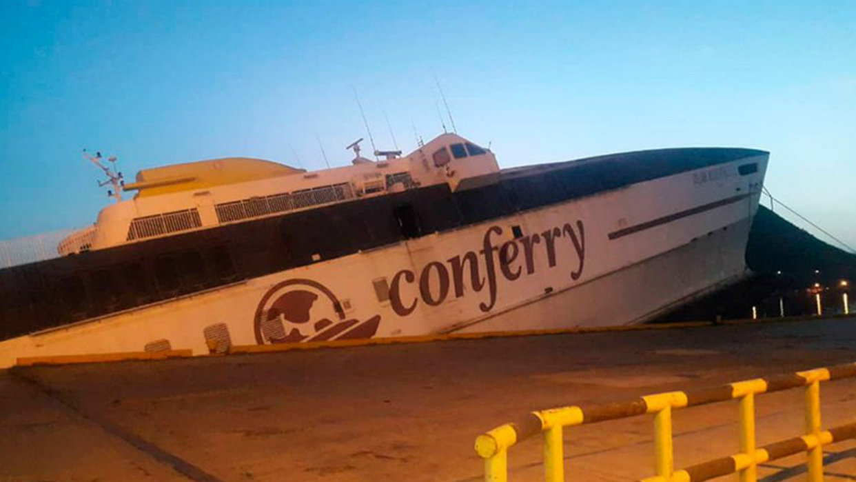 Resultado de imagen para Conferry se hunde en el puerto de Anzoátegui