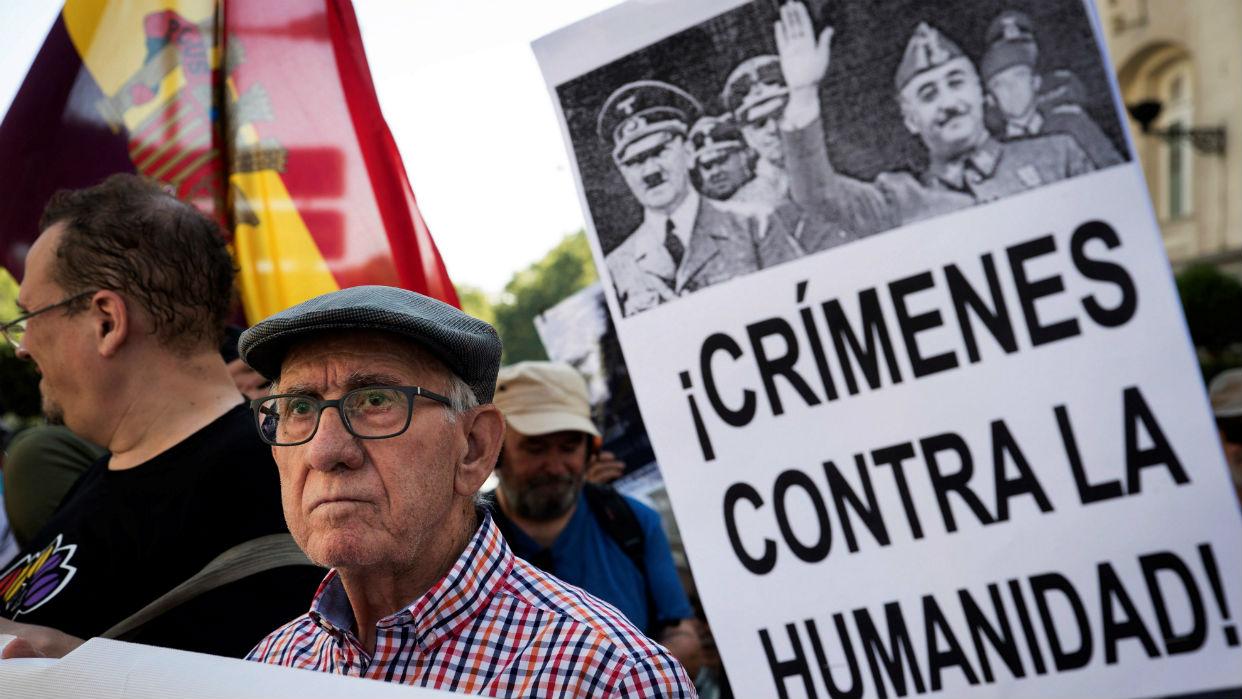 Congreso de España aprueba la exhumación de los restos de Franco