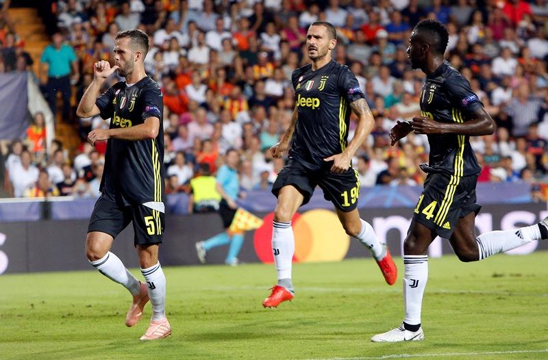 Juventus gana al Valencia a pesar de la expulsión de Cristiano