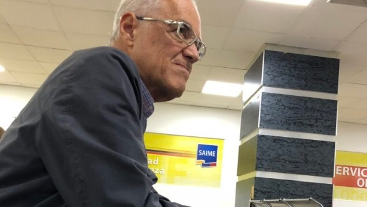 Nelson Bocaranda espera respuesta sobre su pasaporte