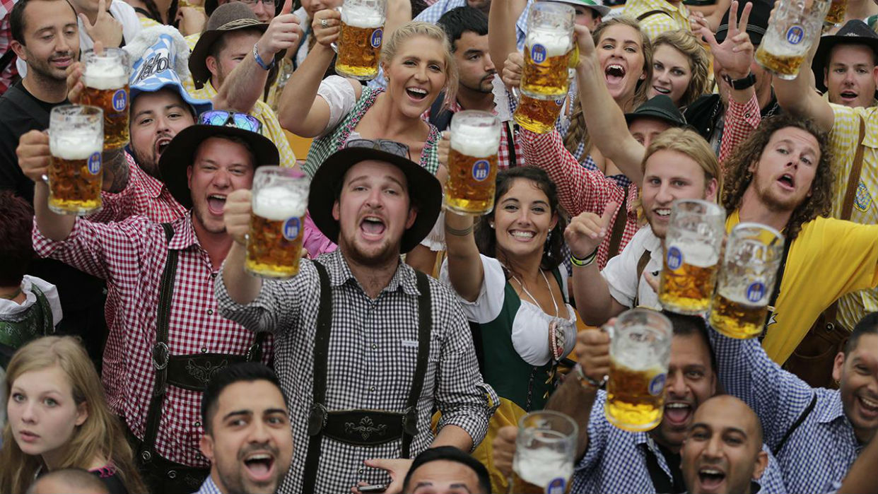 La Oktoberfest, ritual bávaro en tiempos cambiantes y con amenaza de tormenta