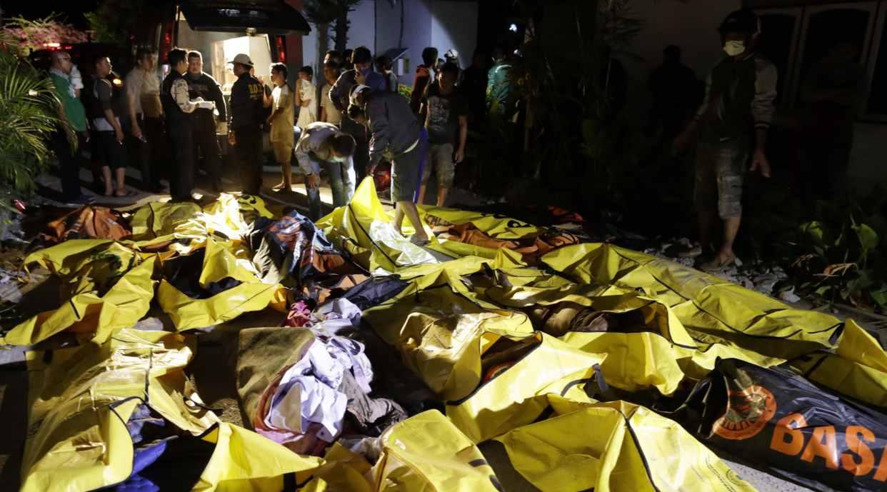 Resultado de imagen para sismo y tsunami en indonesia