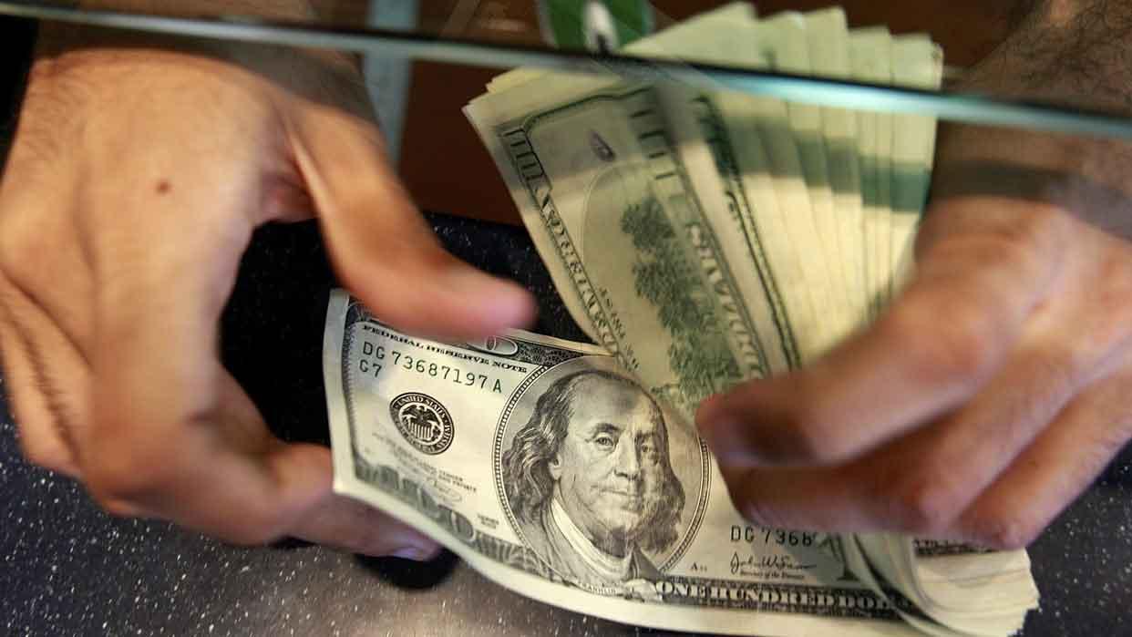 Cotización del dólar paralelo subió 207% en últimos 2 meses