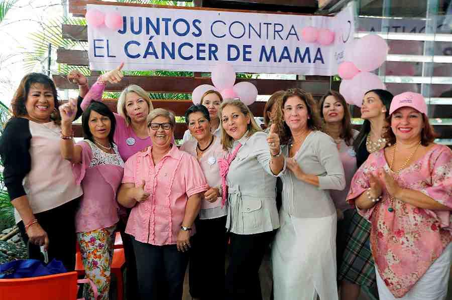 Comprometidas en la lucha contra el cáncer de mama