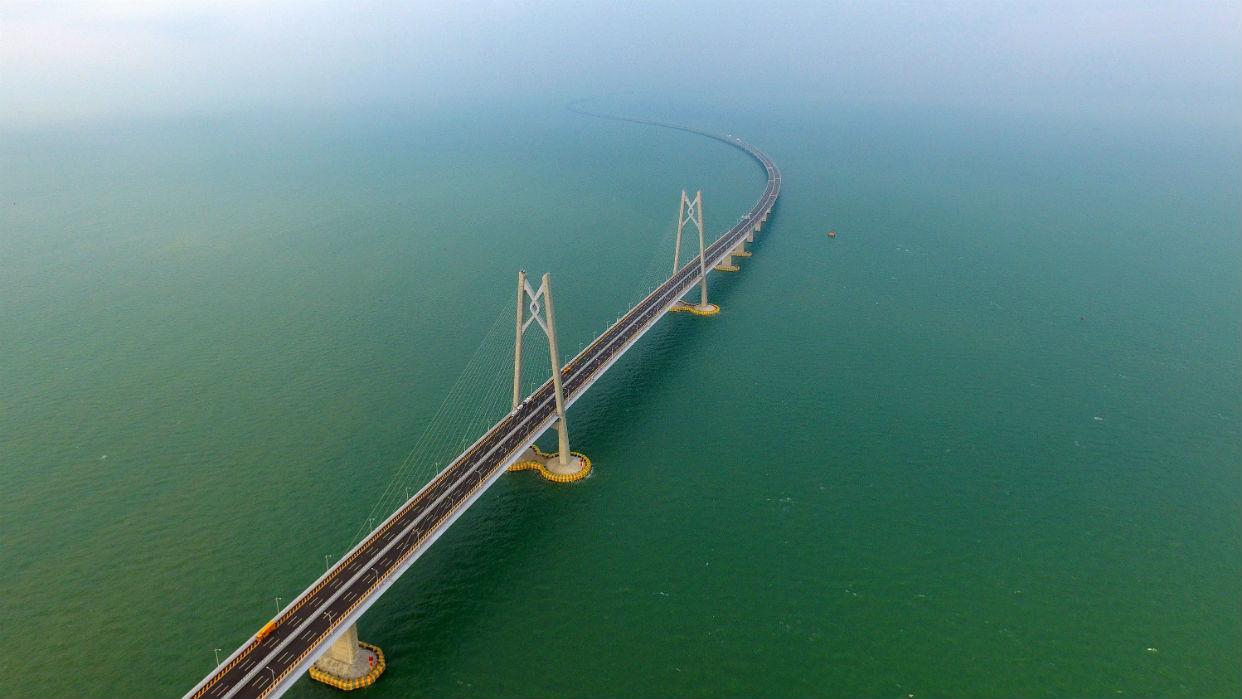 Xi Jinping inaugura el puente marítimo más largo del mundo entre Hong Kong, Macao y China continental