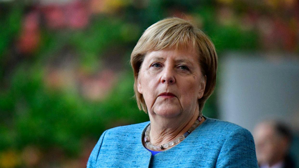 Merkel declara que la retirada de EEUU de Siria puede reforzar a Rusia e Irán