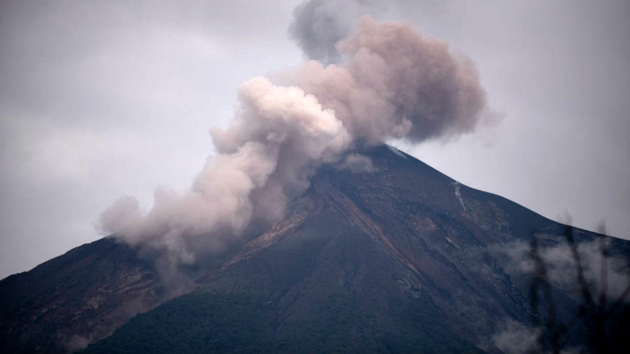 Volcán de Fuego inicia nueva fase eruptiva en Guatemala