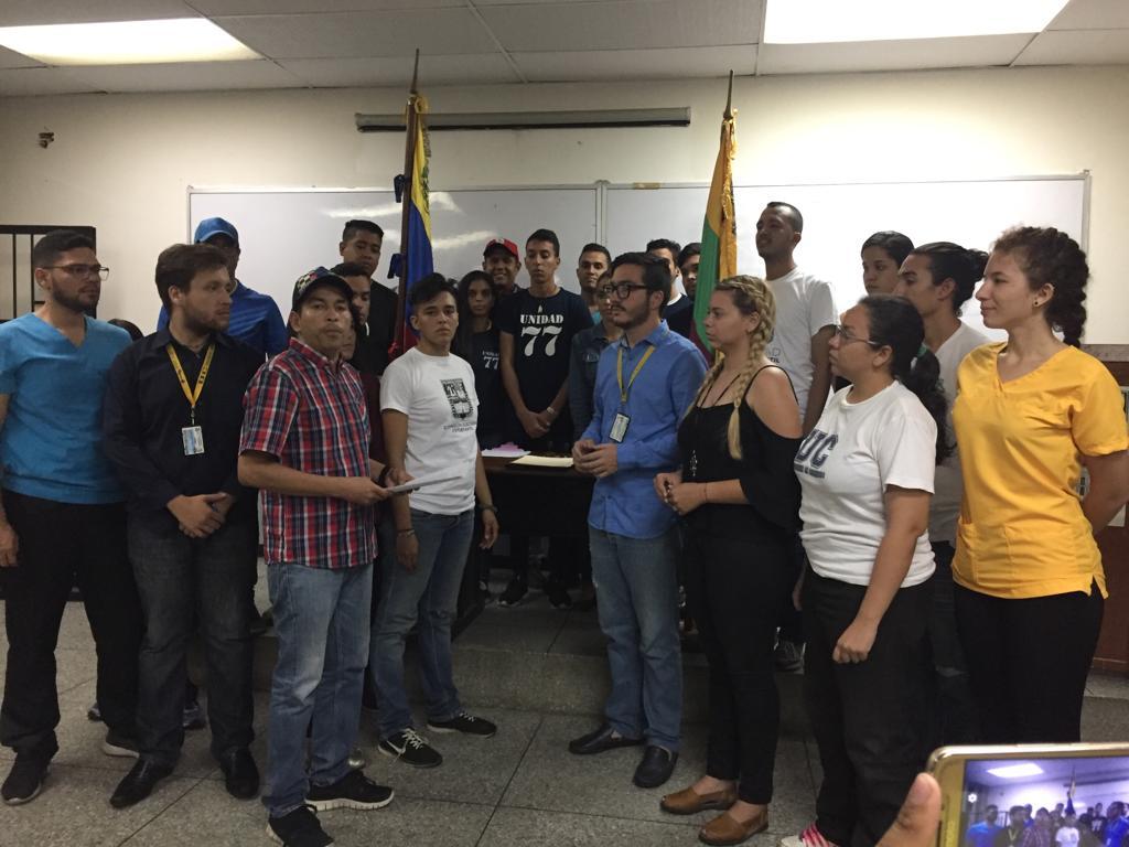 Comisión Electoral proclamó ganadores de la FCU-UC a candidatos opositores