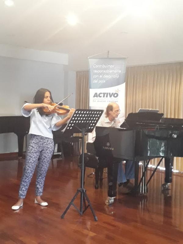 Escuela de Música Mozarteum Caracas de aniversario