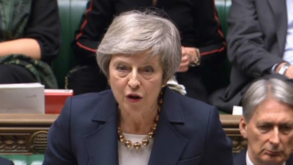 Resultado de imagen de May trata de arrancar nuevas concesiones de la UE en el acuerdo del 'Brexit' para convencer al Parlamento británico