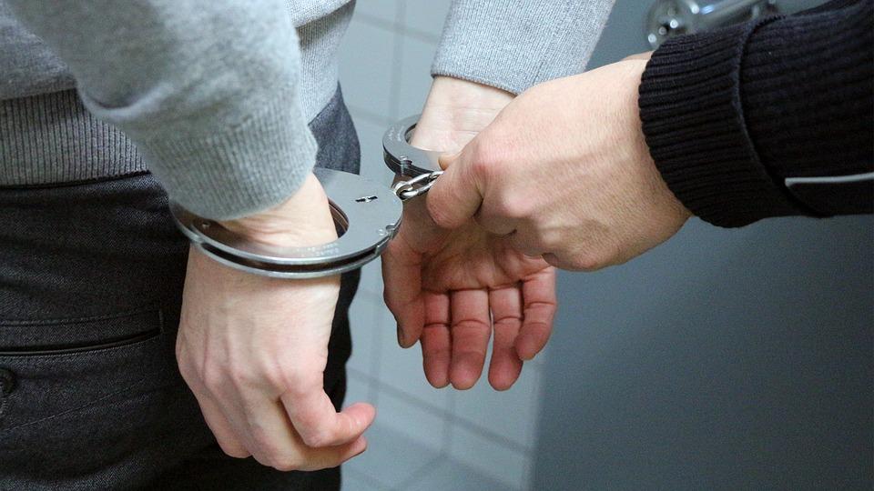 Detenidos tras abusar sexualmente de dos mujeres