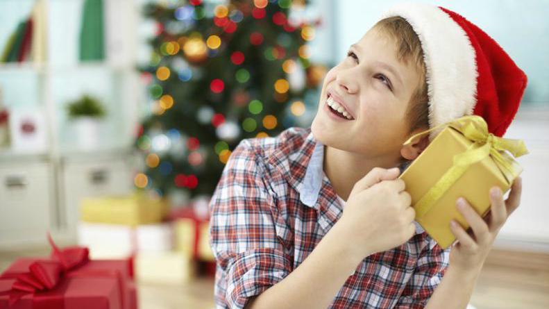 Padres deben ayudar a preservar la ilusión de los niños en Navidad