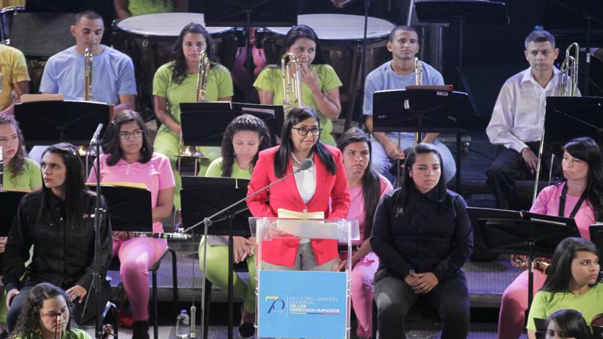 Delcy Rodríguez: La Constitución de la República marca un hito en la defensa de los DDHH