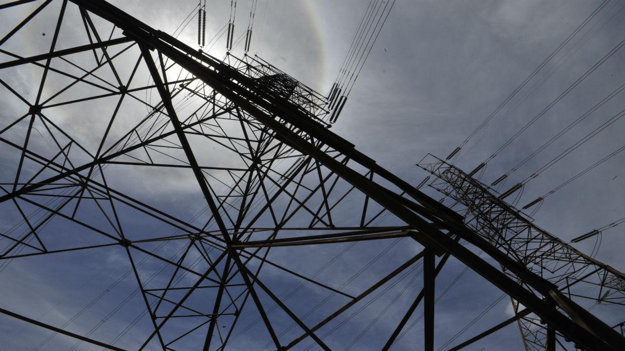 Apagones y fluctuaciones del servicio eléctrico vuelven a crear caos en Zulia
