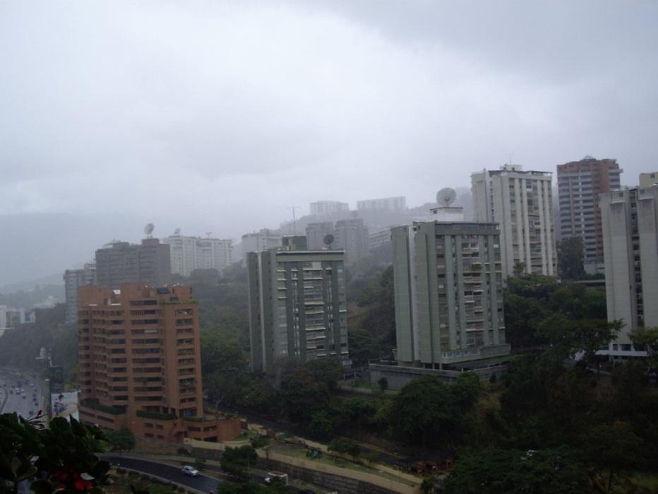 Sábado de áreas nubladas y lloviznas dispersas en varias zonas del país