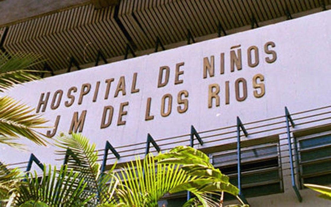 Familiares y pacientes del J.M. de Los Ríos y  Razzetti protestaron
