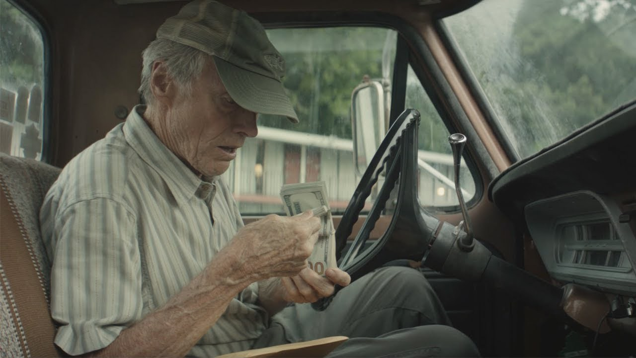 "Clint Eastwood humanizes ""The Mule"" in his new movie"