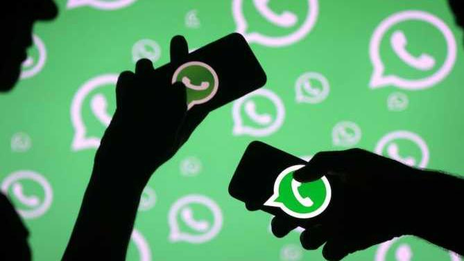 WhatsApp reduce el número de reenvio de mensajes para evitar noticias falsas