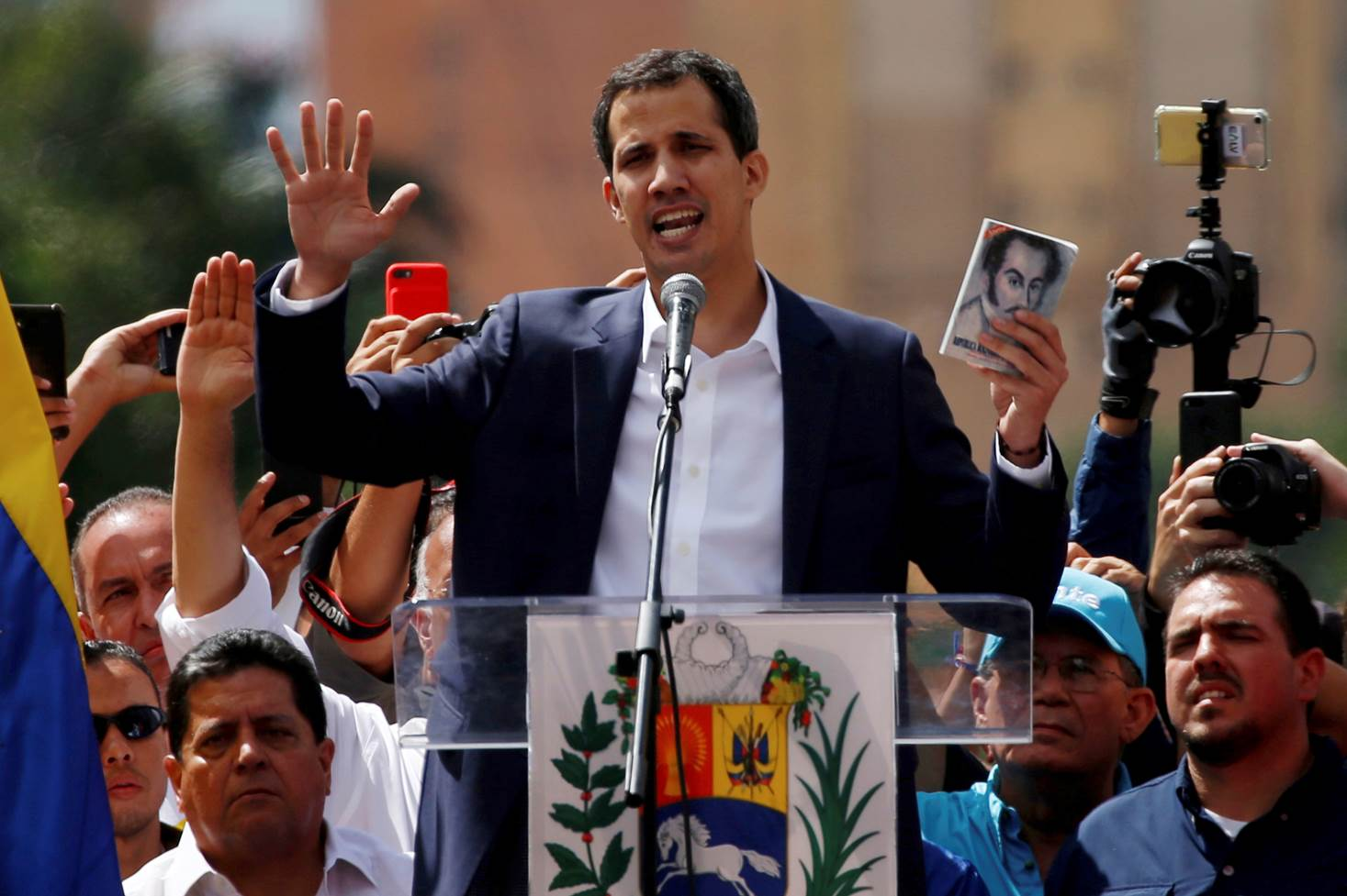 Resultado de imagen para Juan Guaidó, juramenta