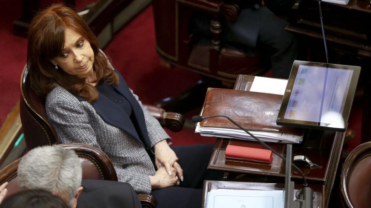 Expresidenta Cristina Kirchner demanda a Google por aparecer como