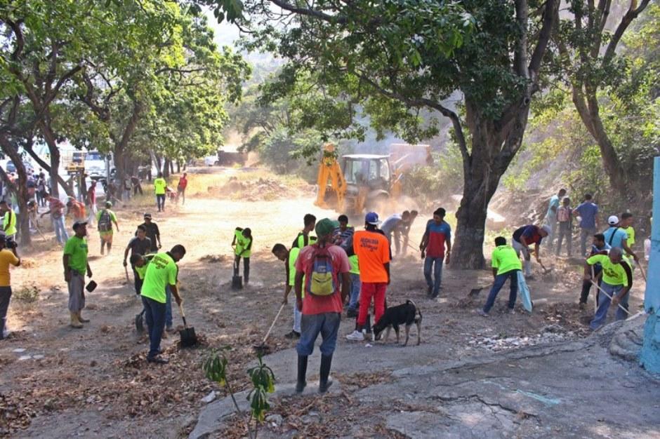 Construyen bulevar que conectará las parroquias Maiquetía y La Guaira
