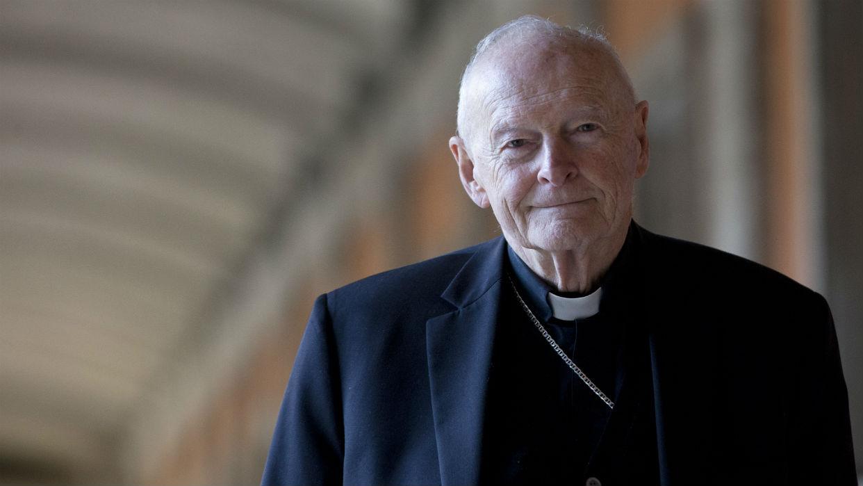 El Vaticano expulsa al excardenal McCarrick por abusos sexuales