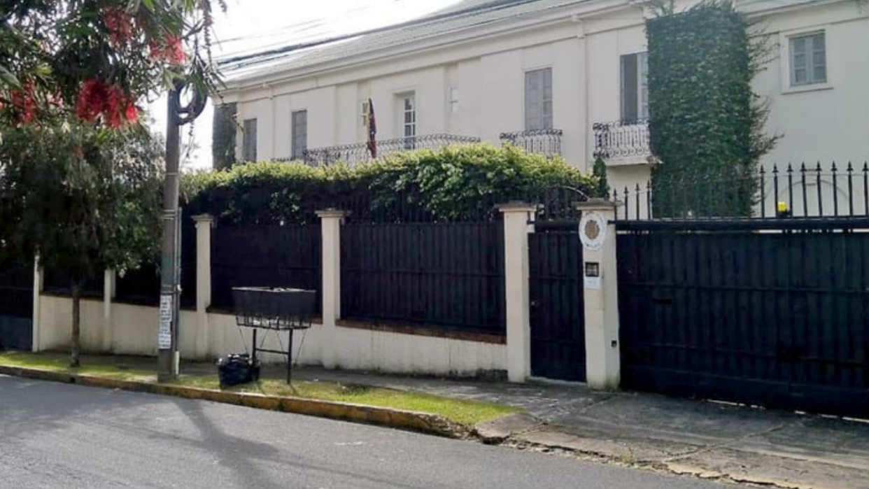 """Costa Rica lamentó el """"inaceptable"""" ingreso del personal diplomático de Guaidó a la Embajada de Venezuela"""