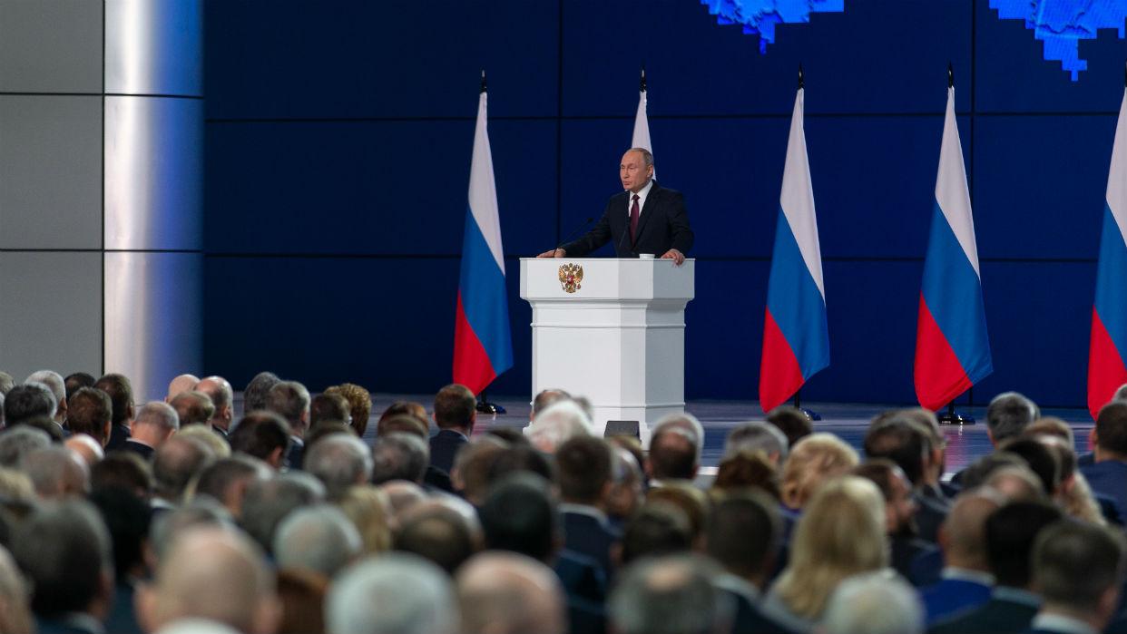 Putin declara un mes de asueto en Rusia para frenar la epidemia