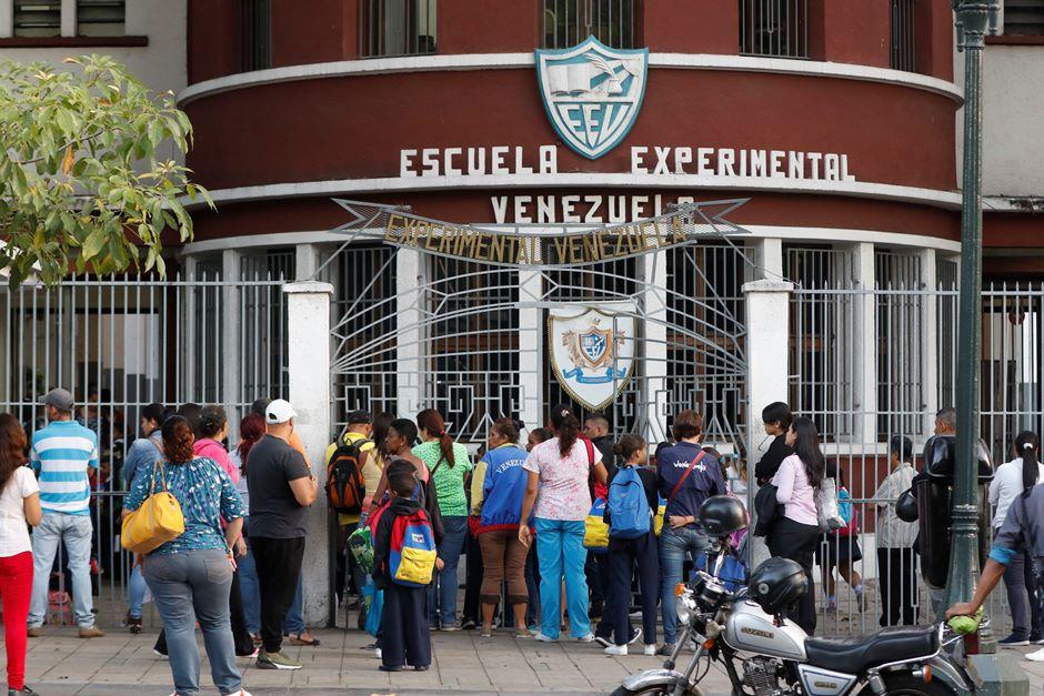 Se reinician las clases en centros educativos del país