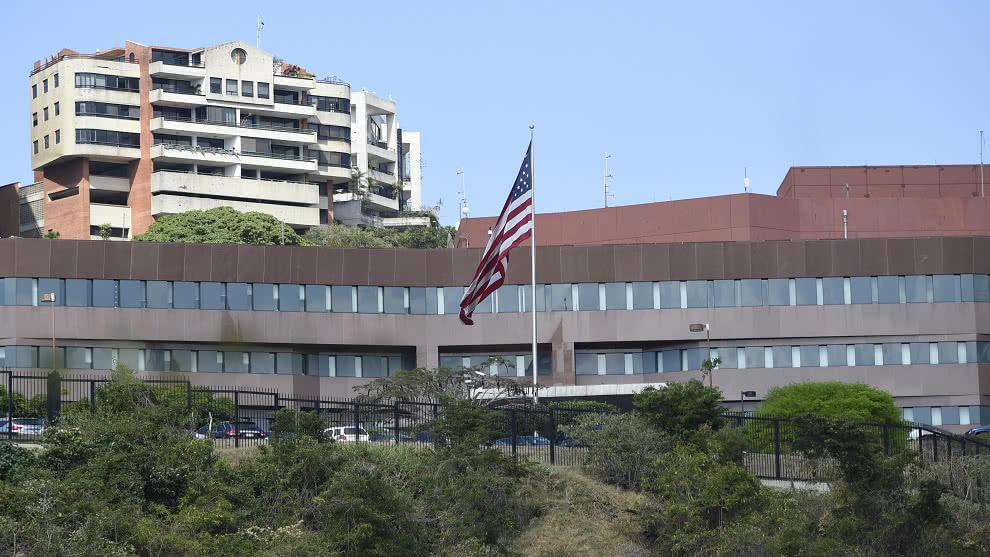 Embajada de EEUU en Bogotá procesará solicitudes de visas de inmigrantes para venezolanos