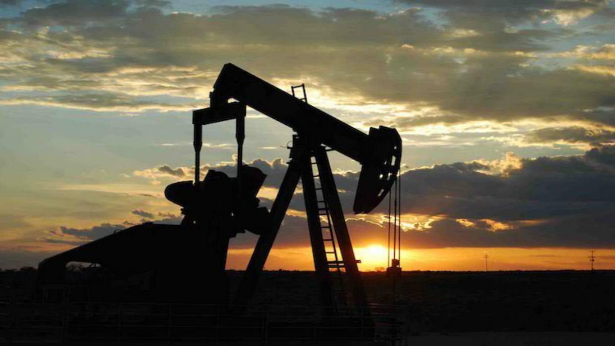 Producción de crudo venezolano sostiene leve recuperación en noviembre