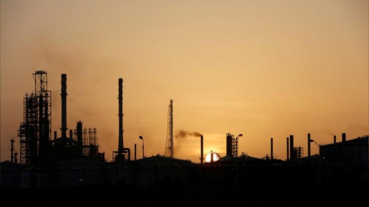 Aseguran que Pdvsa reactivó unidad clave para producción de gasolina en refinería Cardón