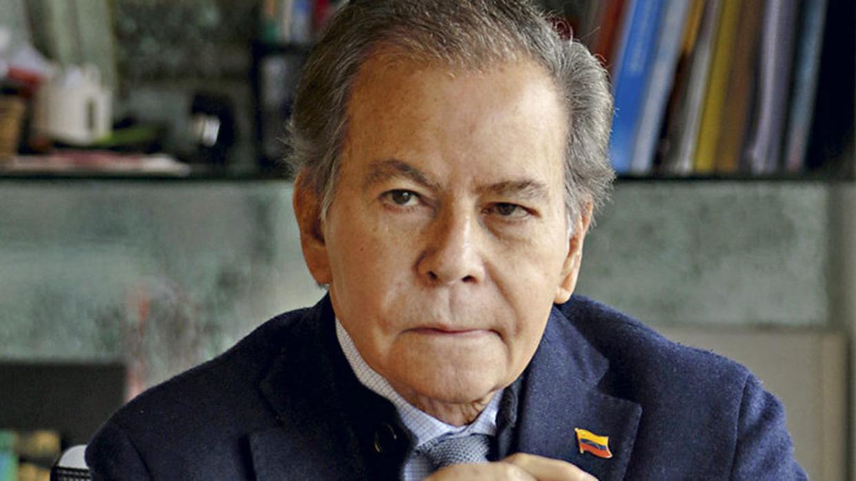 Diego Arria tildó de