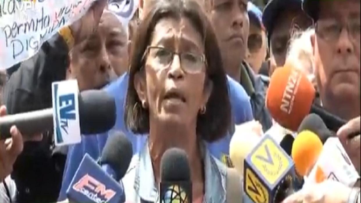 """Contreras: Existe una """"emergencia humanitaria"""" en los centros de salud."""