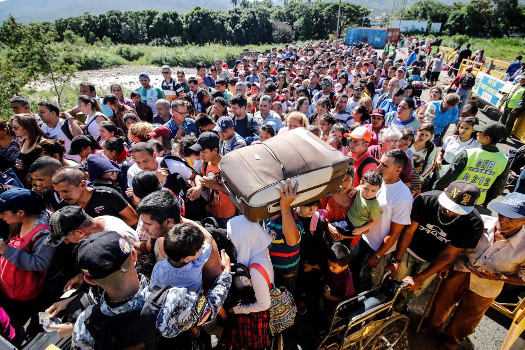 Colombia habilitará Permiso Especial de Permanencia para venezolanos