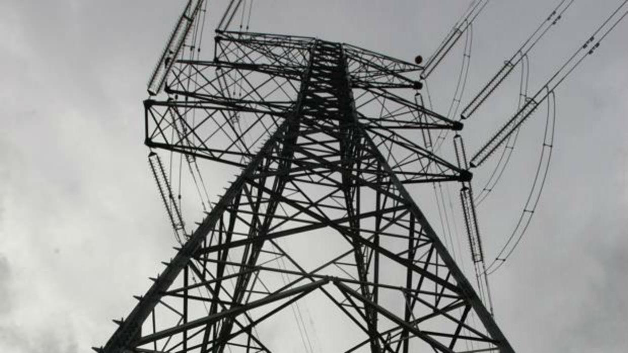 Reportan fuerte apagón en sectores de 13 estados del país