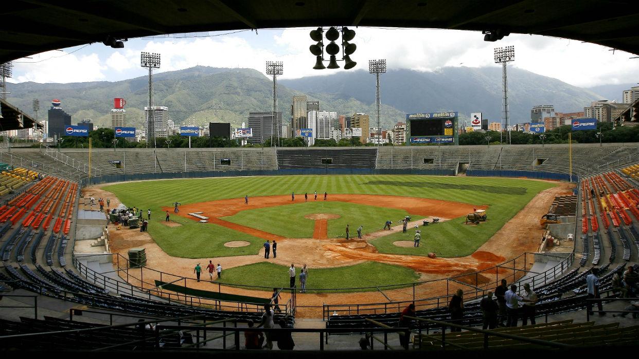 Iglesias cristianas organizan evento en el estadio Universitario