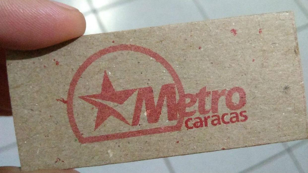 Nuevos tickets del metro no vienen con banda magnética