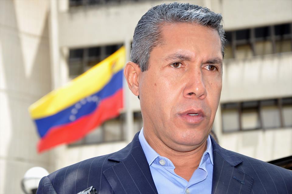 Falcón reta a Guaidó a debatir sobre estrategia opositora