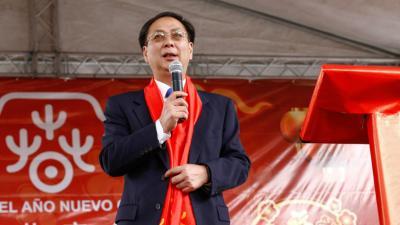 Li Baorong considera que China puede compartir su experiencia contra el Covid-19