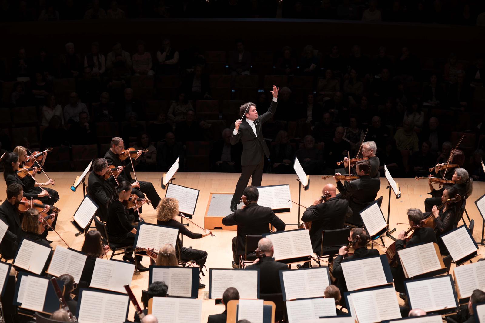 El director de orquesta Gustavo Dudamel triunfa en la antesala de los Grammy 2020