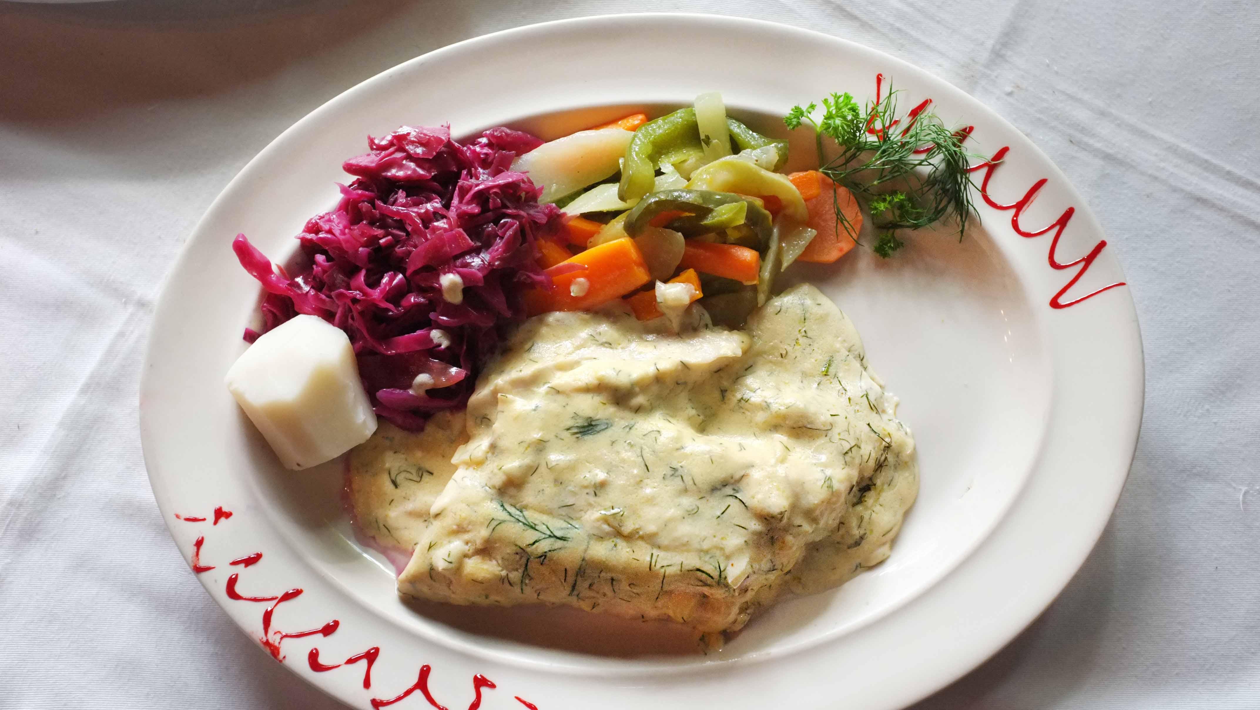 Tradición culinaria y de servicio a los pies del Ávila