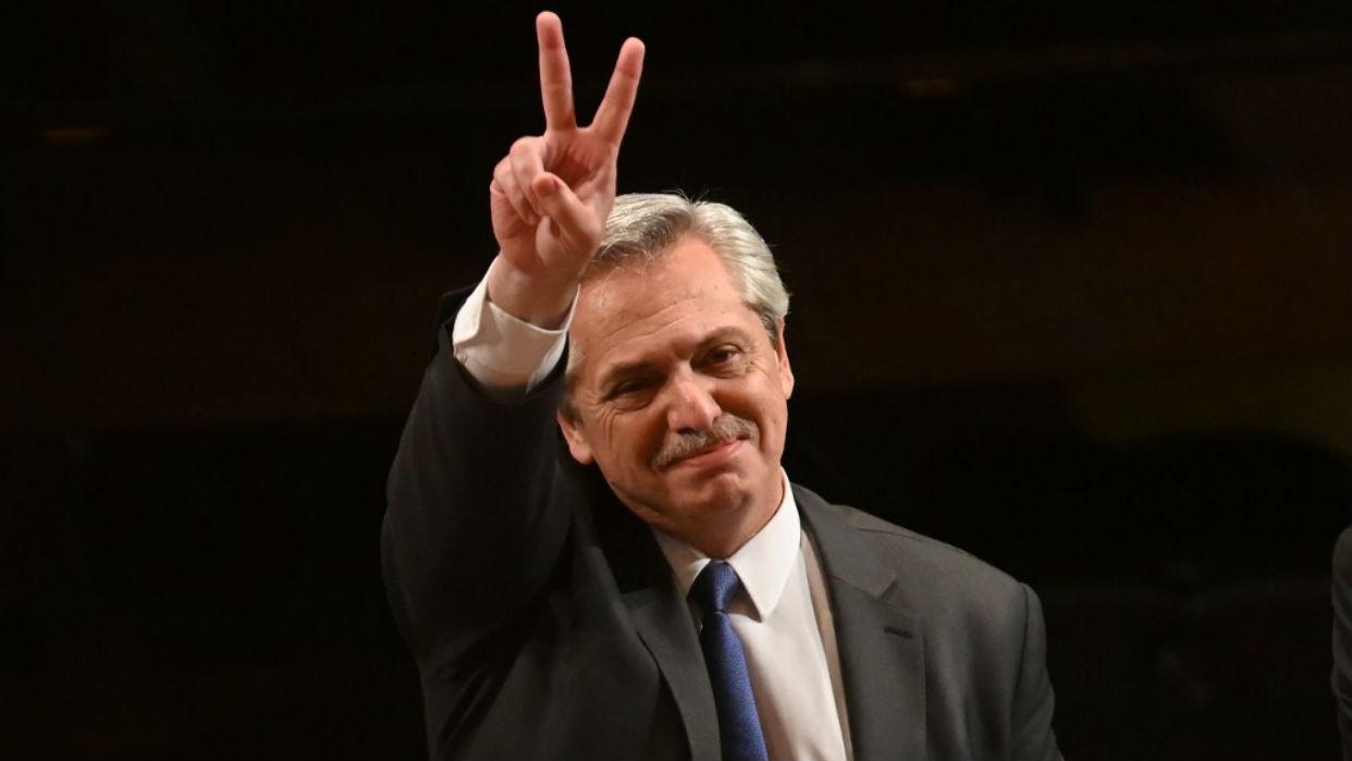 Alberto Fernández asume la presidencia de una Argentina en crisis