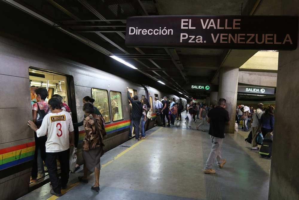 Suspenden servicio comercial en la estación Los Símbolos por falla eléctrica