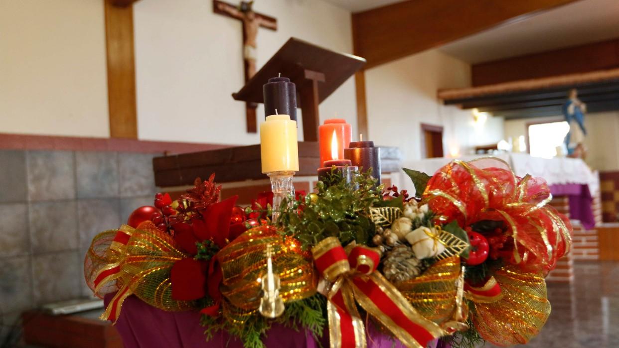 La Corona de Adviento marca el inicio de la Navidad en las iglesias