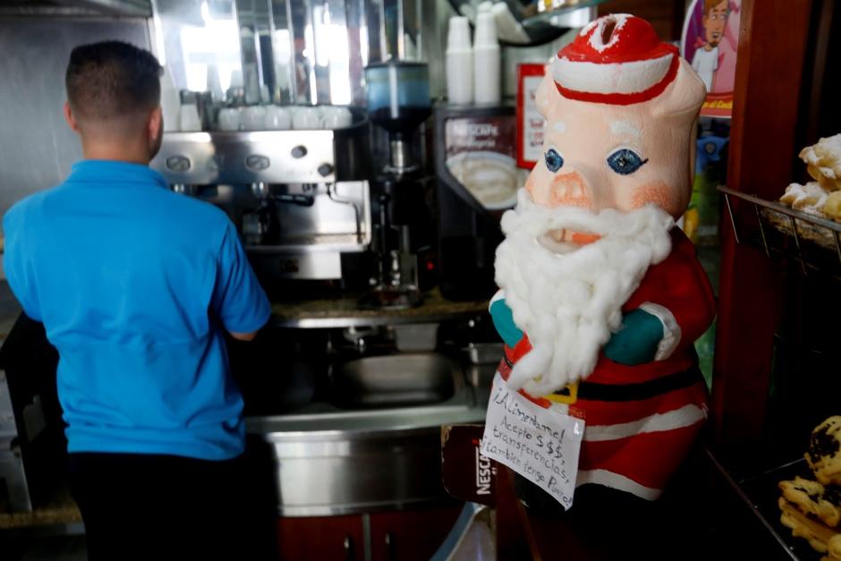 """La tradición del """"cochinito"""" navideño se reinventa"""