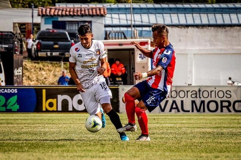 El Caracas FC recibe este domingo a Estudiantes de Mérida en el choque decisivo
