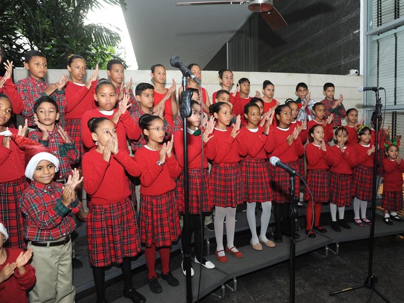 Cayena inauguró la Navidad en Caracas