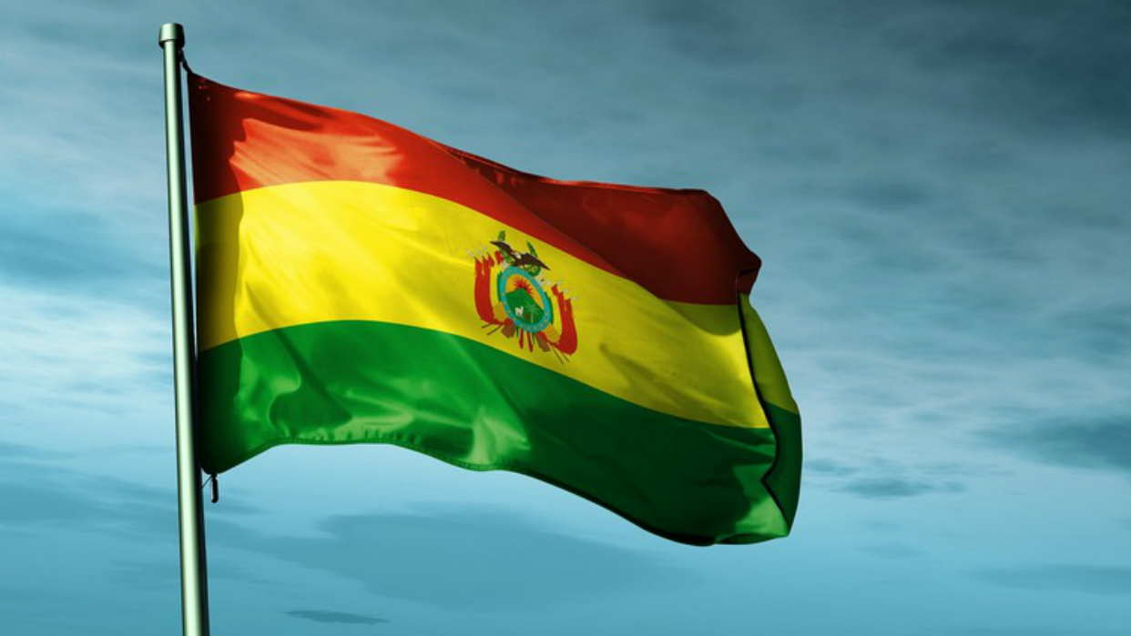 Congreso de Bolivia prueba renuncia de Evo Morales